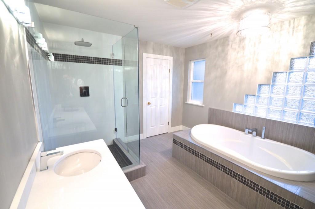 Coquitam Master Bathroom