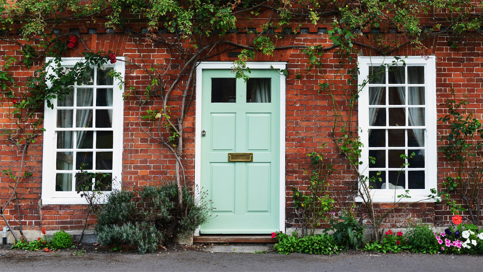 Our Top 7 Tips to Boost your Curb Appeal