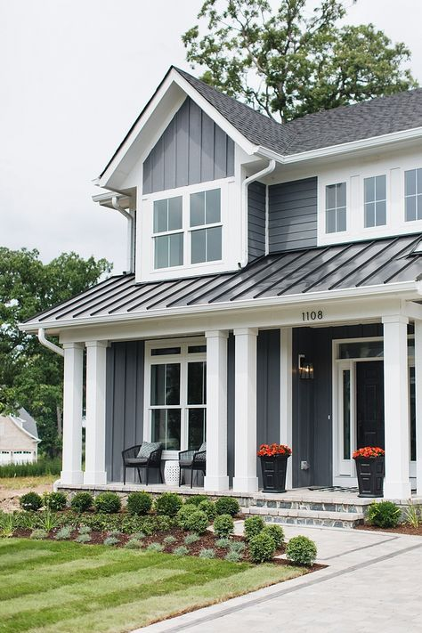 Building on a Budget: Hardie Board vs. Vinyl Siding