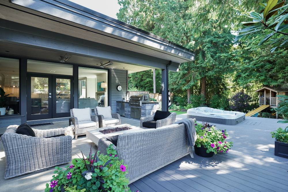 Home exterior renovation - outdoor living room