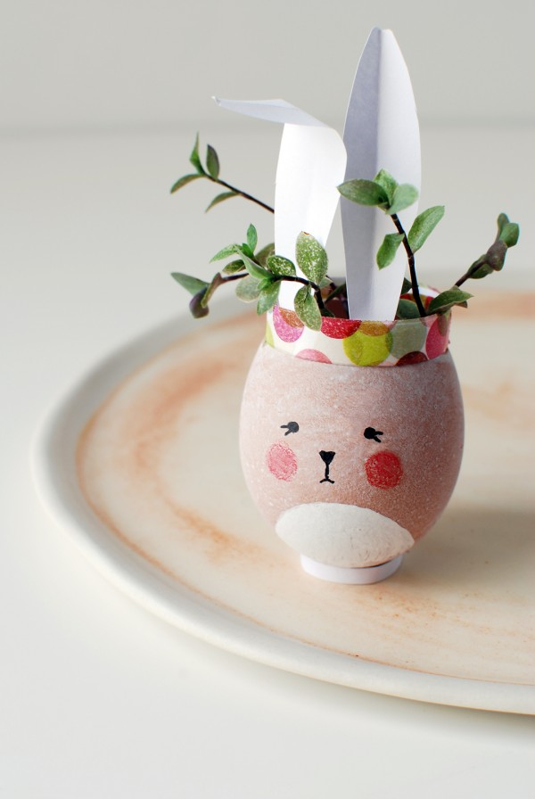 Easter craft - bunny vases from eggshells