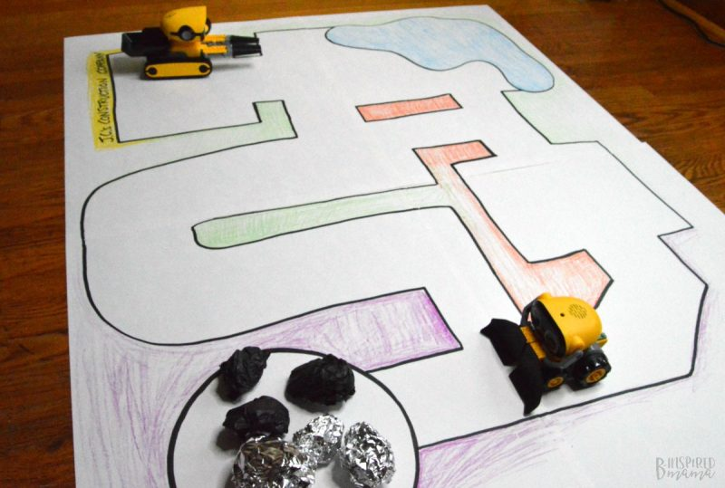 easy toddler activity: paper playmat