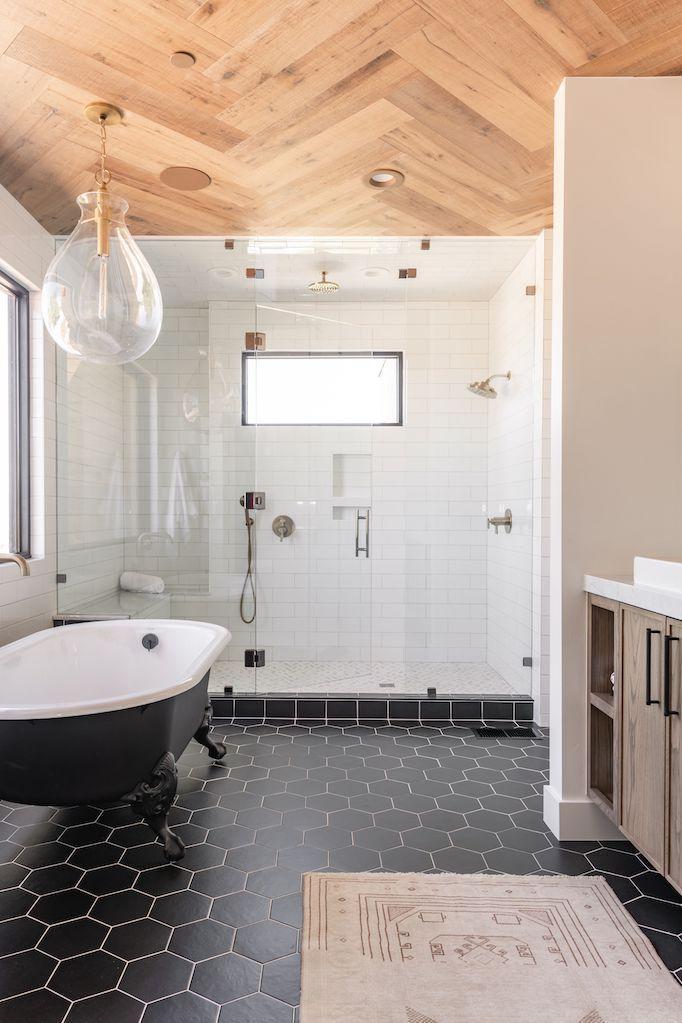 black and white bathroom trend