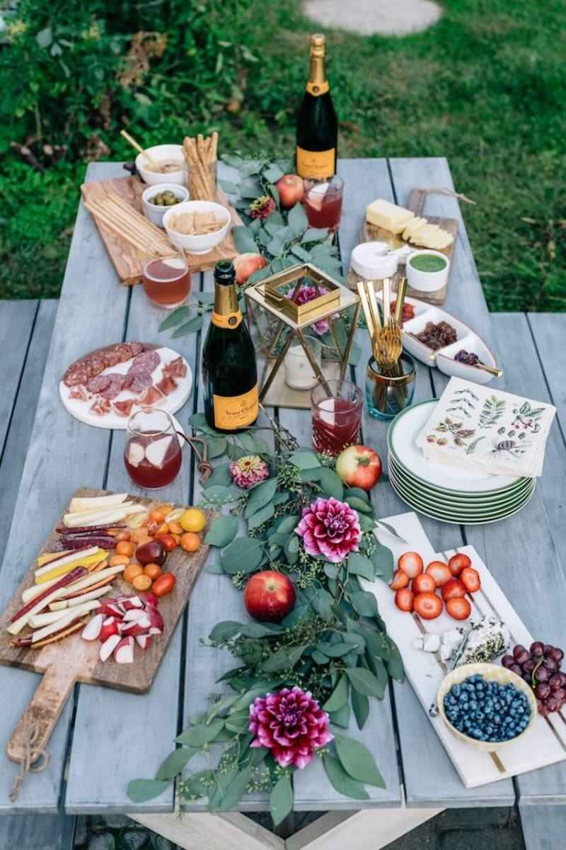 casual outdoor dinner party