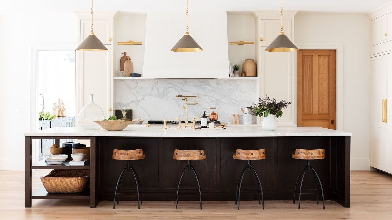 What We Want Right Now: Dramatic Kitchen Islands